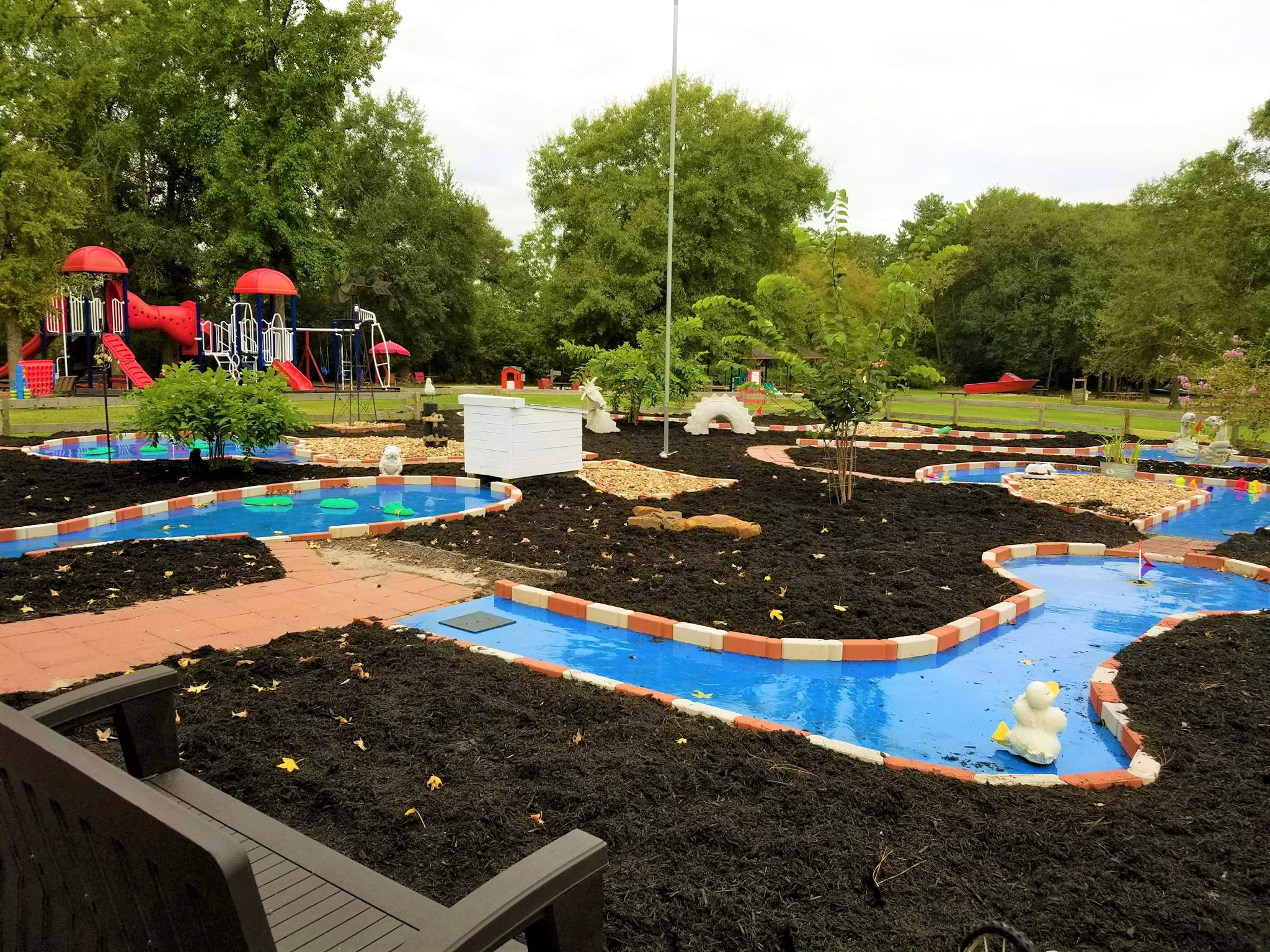 newly remodeled mini golf course kids out and about houston